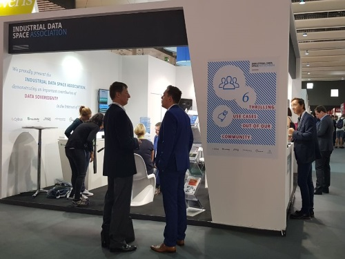 IMPRESSIVE EXHIBITION PREMIERE AT IoT SOLUTIONS WORLD CONGRESS